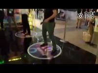 TGS玩AKB48柏木由纪体验VR游戏